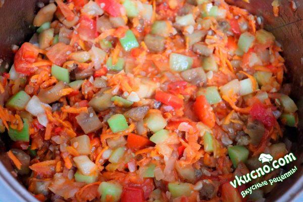 овощи с соусом для рагу